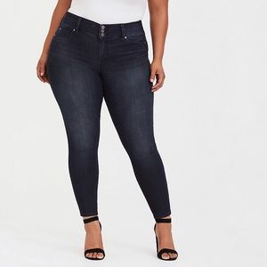 Torrid Jegging Super Stretch Dark Wash EUC